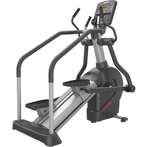 Life Fitness Summit trainer